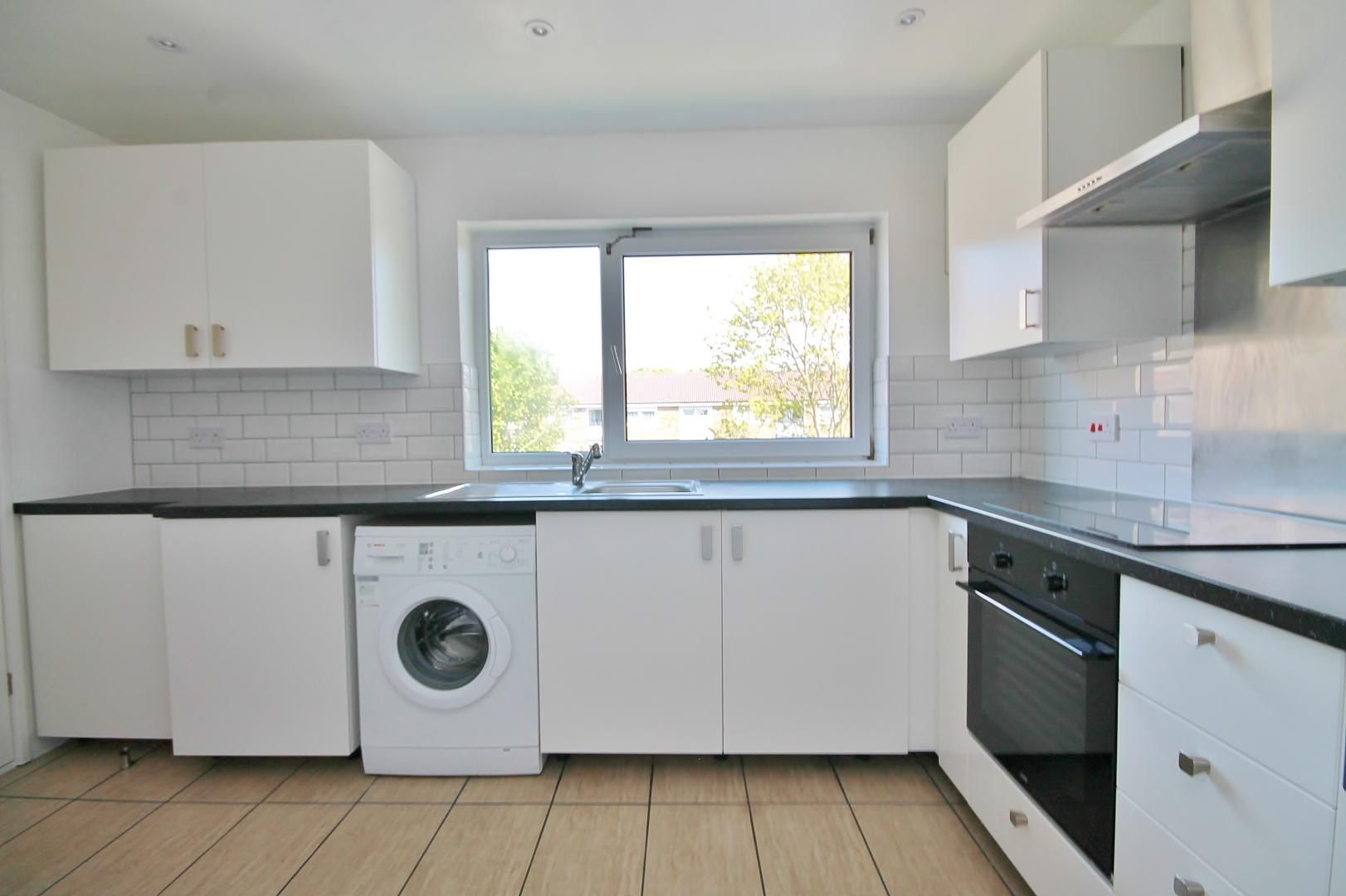3 bed flat to rent in Storey Street  - Property Image 8