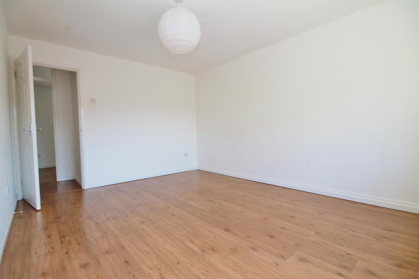 3 bed flat to rent in Storey Street  - Property Image 9