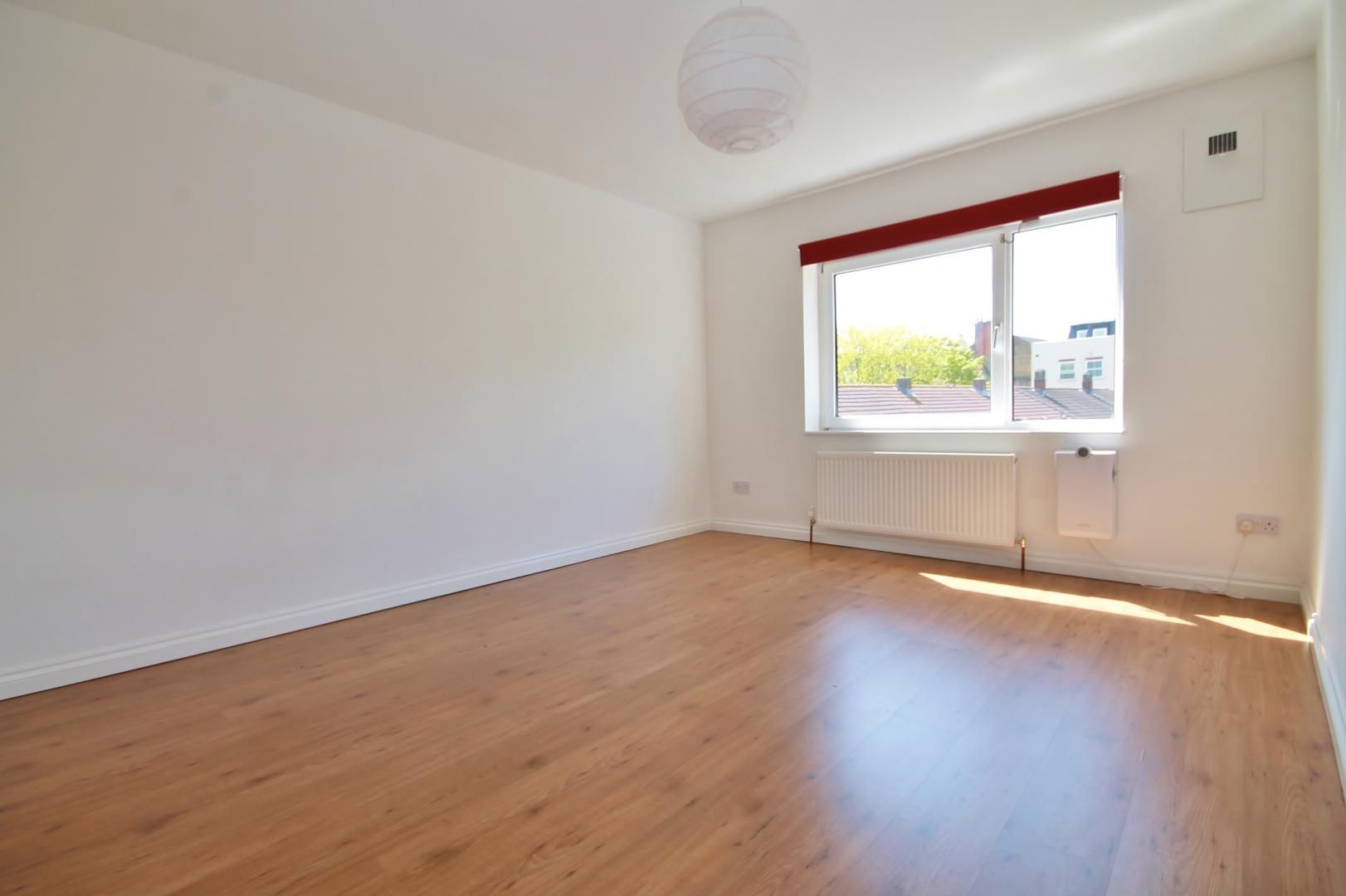 3 bed flat to rent in Storey Street  - Property Image 10