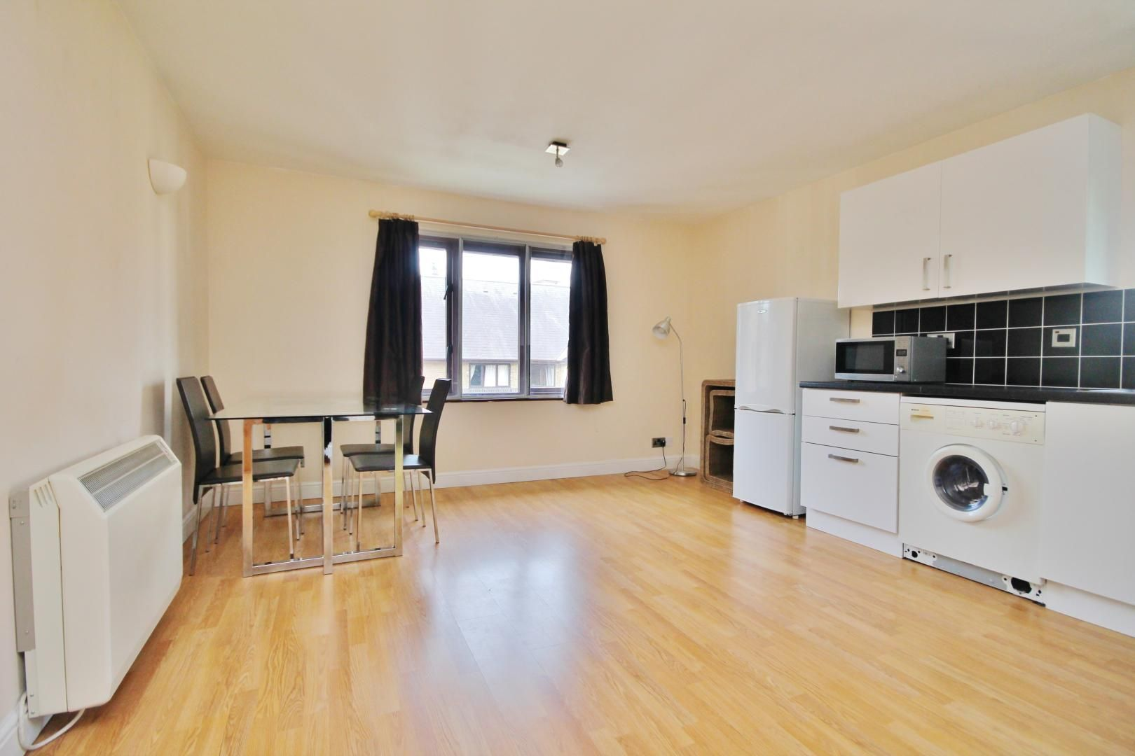 1 bed flat to rent in Transom Square  - Property Image 2