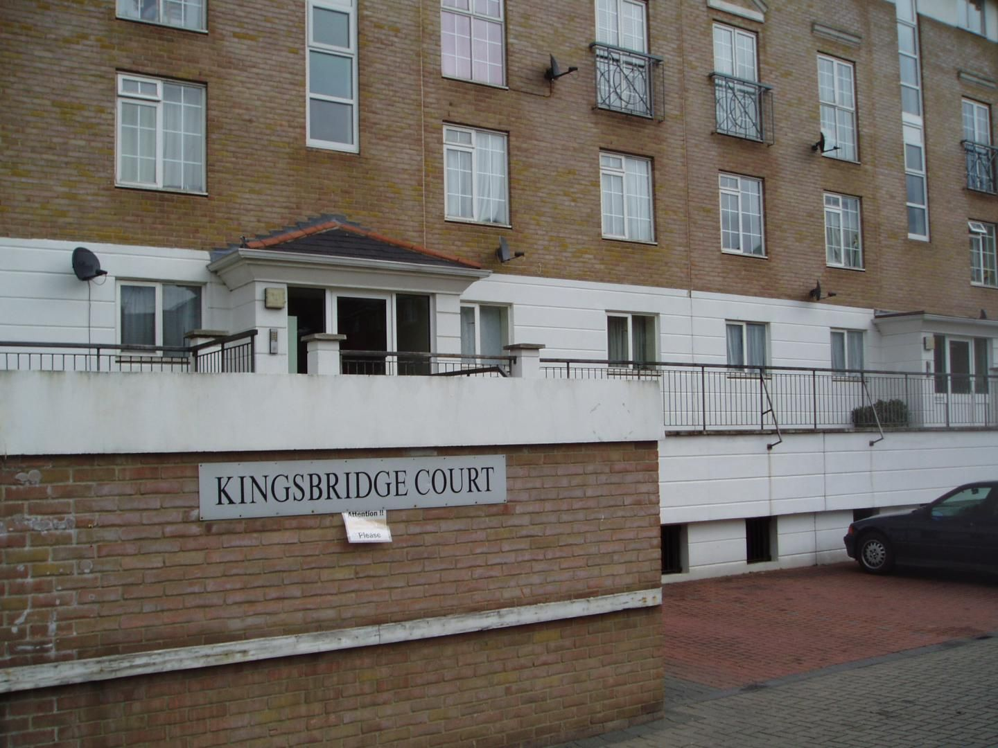 2 bed flat to rent in Dockers Tanner Road - Property Image 1