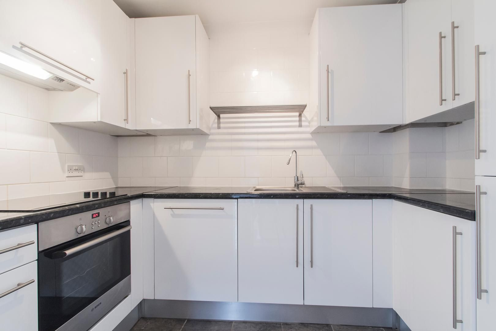 2 bed flat for sale in Burrells Wharf Square  - Property Image 6