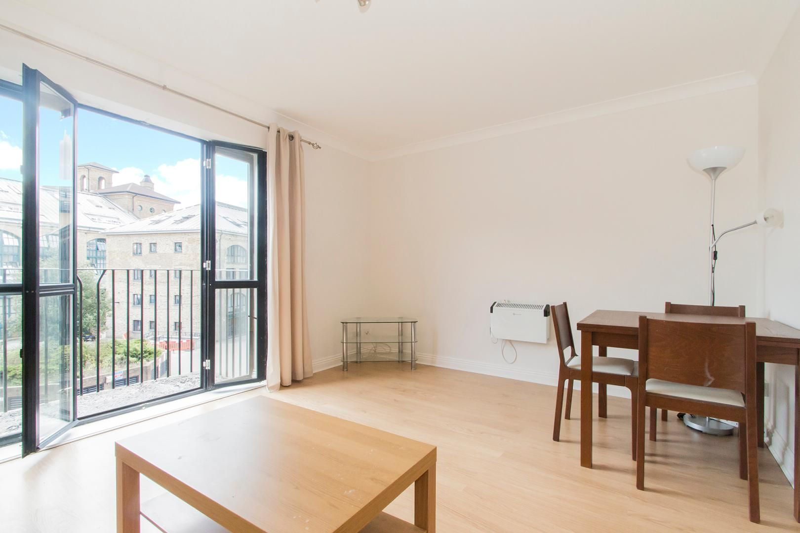 2 bed flat for sale in Burrells Wharf Square  - Property Image 8