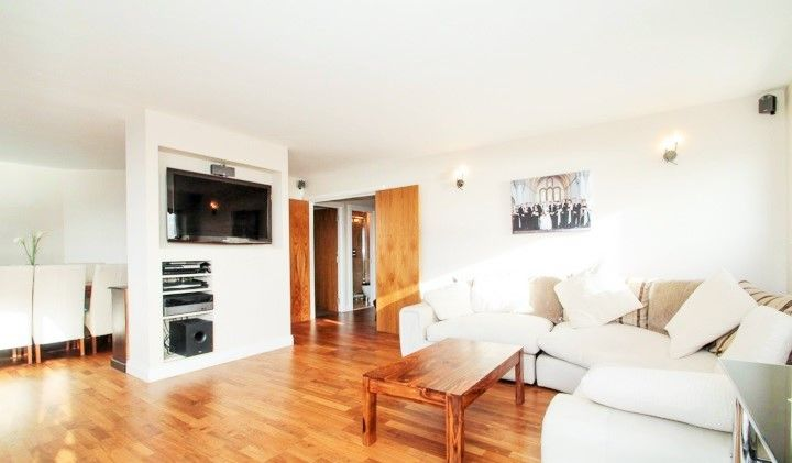 2 bed flat to rent in Burrells Wharf Square  - Property Image 4