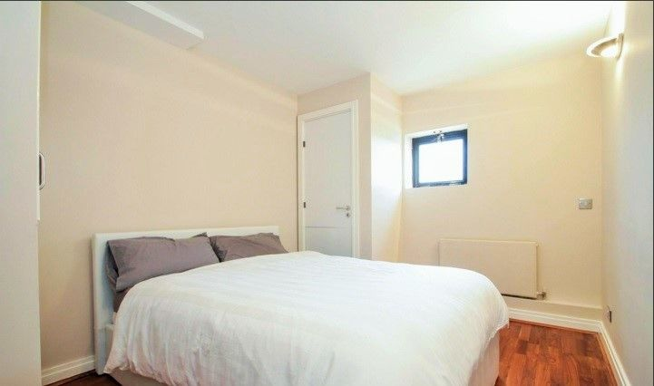 2 bed flat to rent in Burrells Wharf Square  - Property Image 7