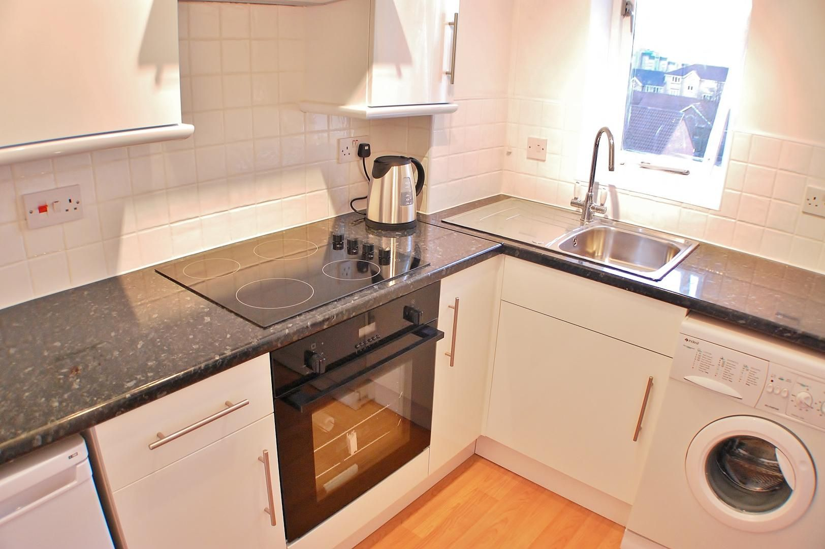 to rent in Telegraph Place  - Property Image 2