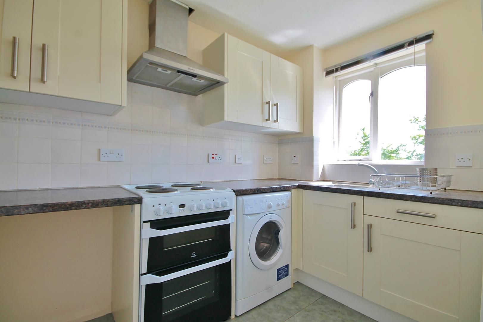 1 bed flat to rent in Telegraph Place  - Property Image 4
