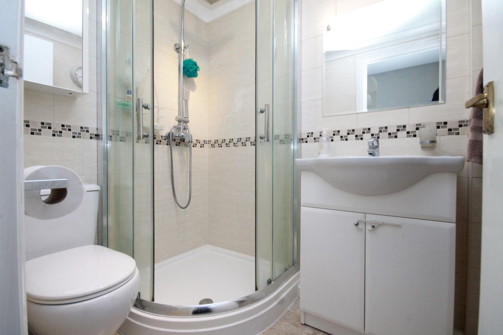 2 bed flat to rent in Riverway House,  - Property Image 7