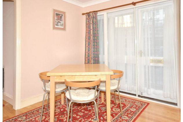 2 bed flat to rent in 121 East Ferry Road  - Property Image 3