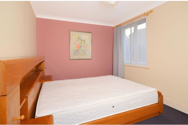 2 bed flat to rent in 121 East Ferry Road  - Property Image 4