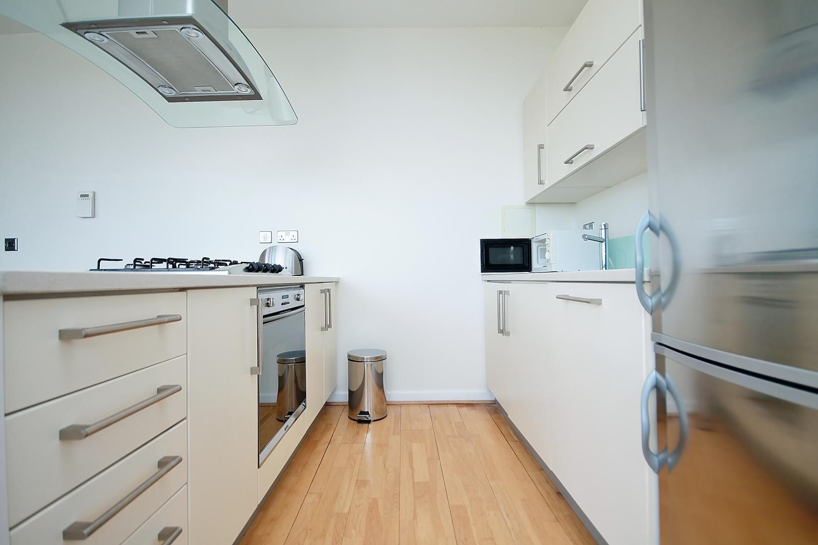 2 bed flat to rent in 93 Abbott's Wharf  - Property Image 6