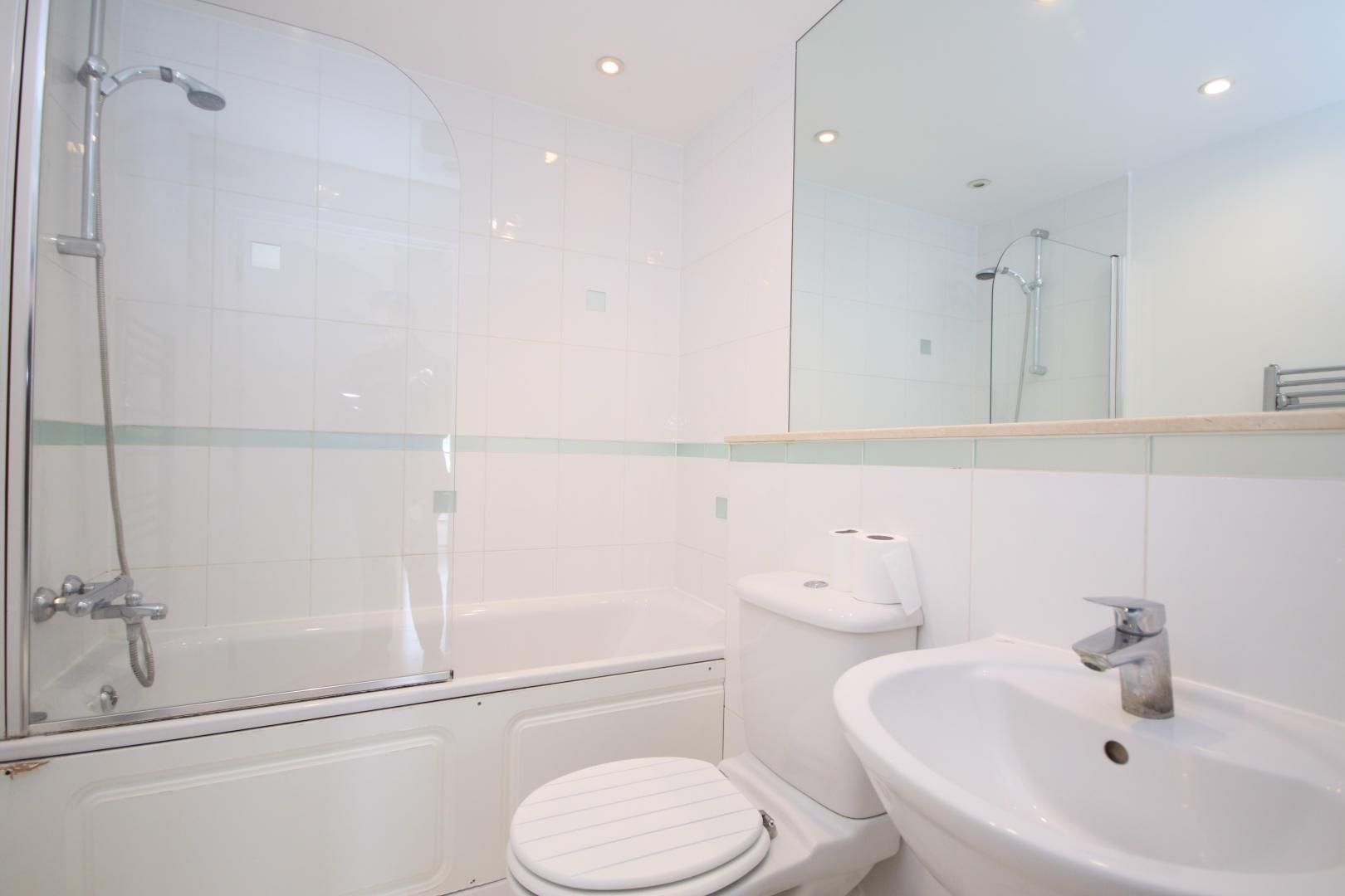 2 bed flat to rent in 93 Abbott's Wharf  - Property Image 10