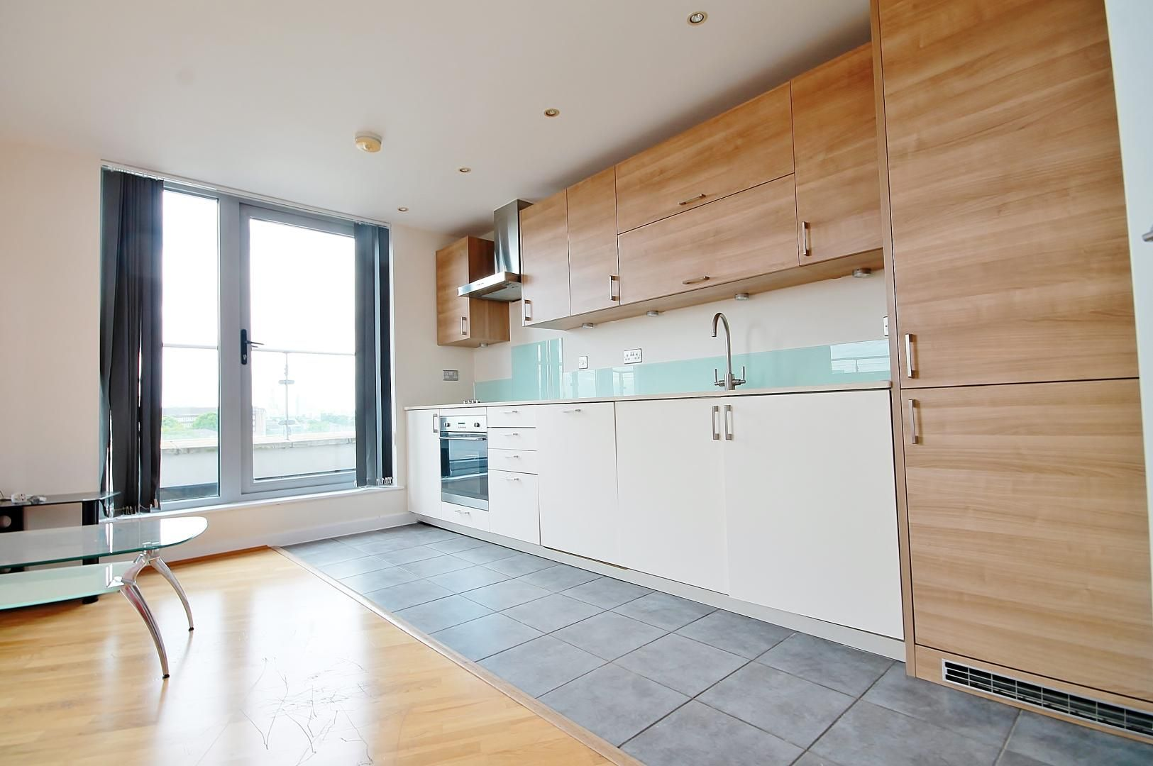 2 bed flat to rent in Mostyn Grove  - Property Image 4