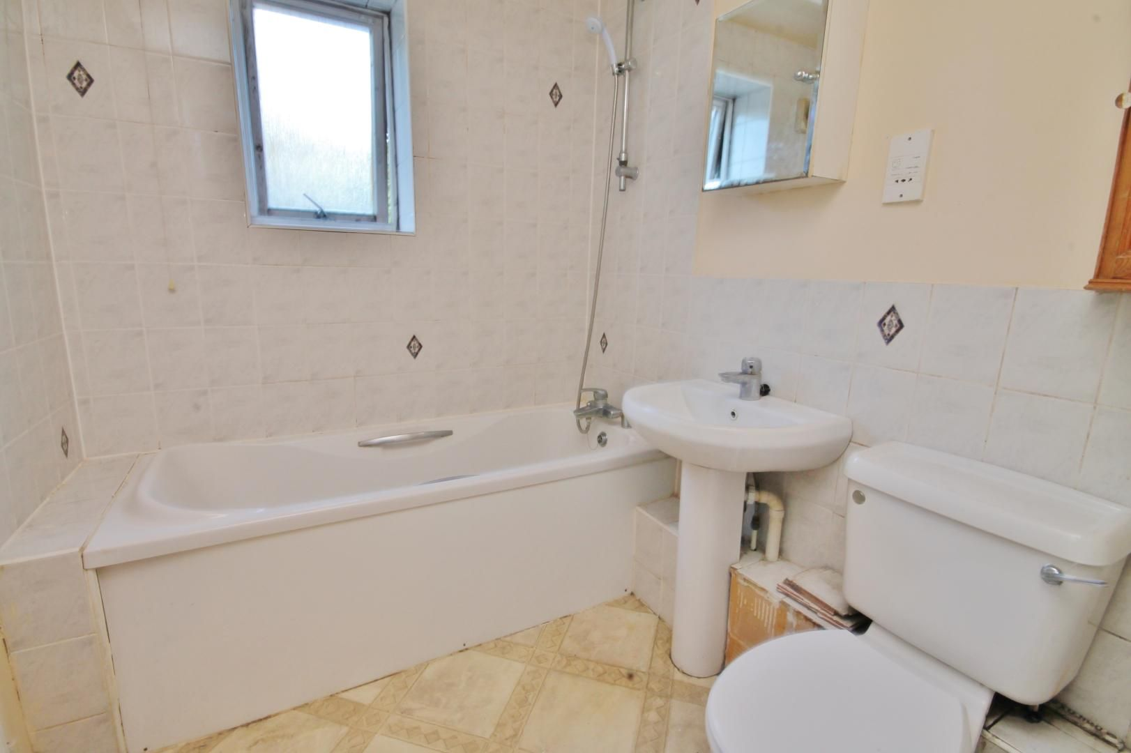 2 bed flat to rent in Parr House  - Property Image 6