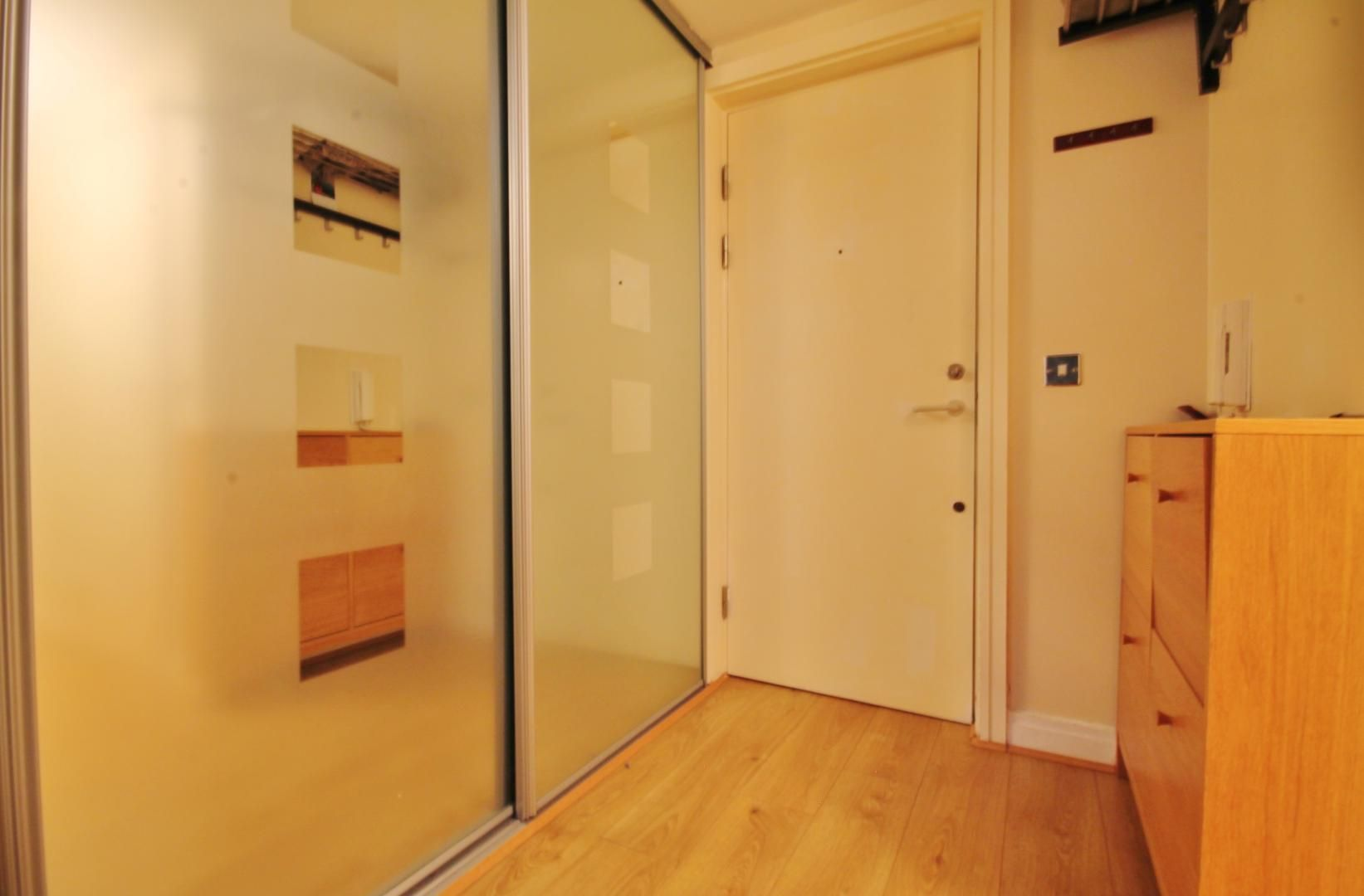2 bed flat to rent in Burrells Wharf Square  - Property Image 12