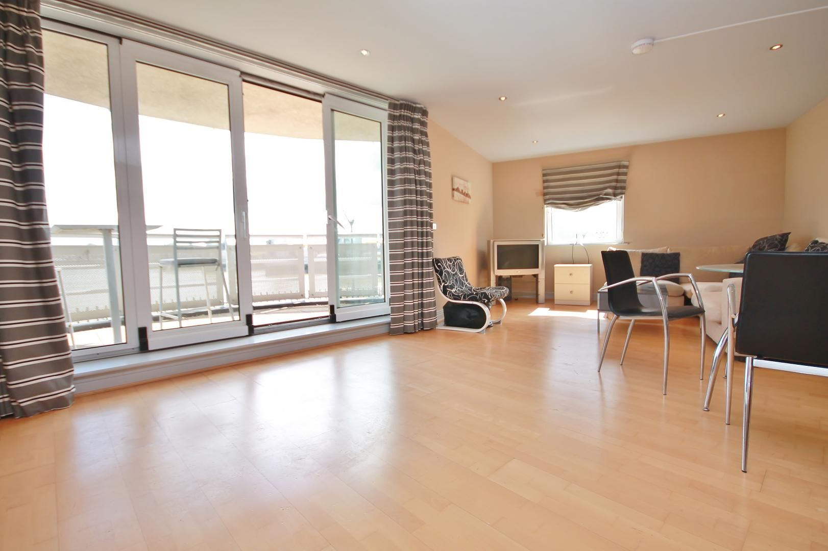 3 bed flat for sale in Wards Wharf Approach  - Property Image 3