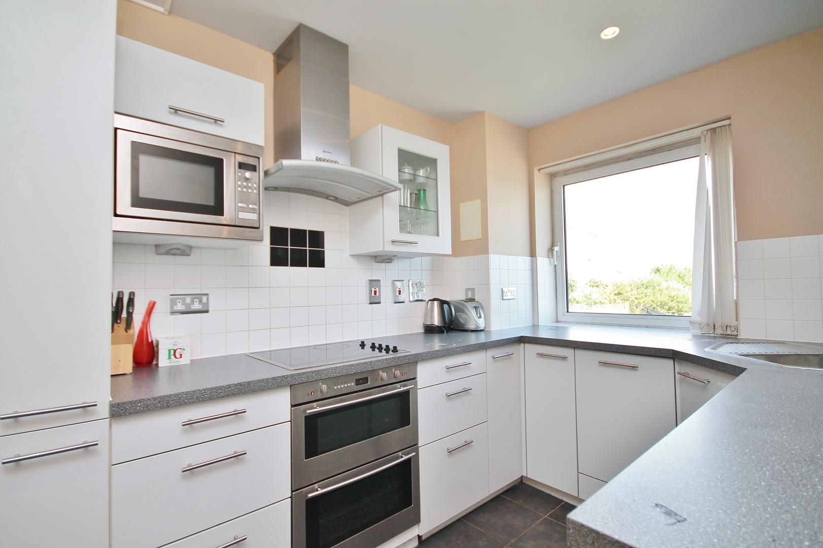 3 bed flat for sale in Wards Wharf Approach  - Property Image 4
