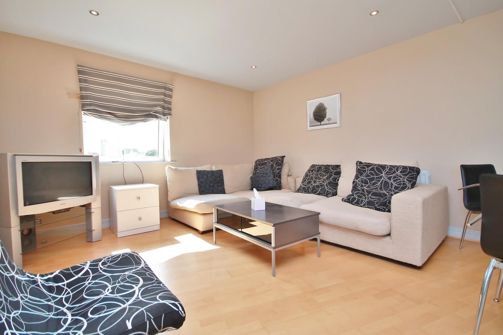 3 bed flat for sale in Wards Wharf Approach  - Property Image 5