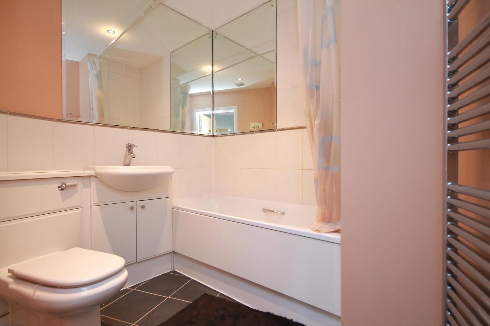 3 bed flat for sale in Wards Wharf Approach  - Property Image 7