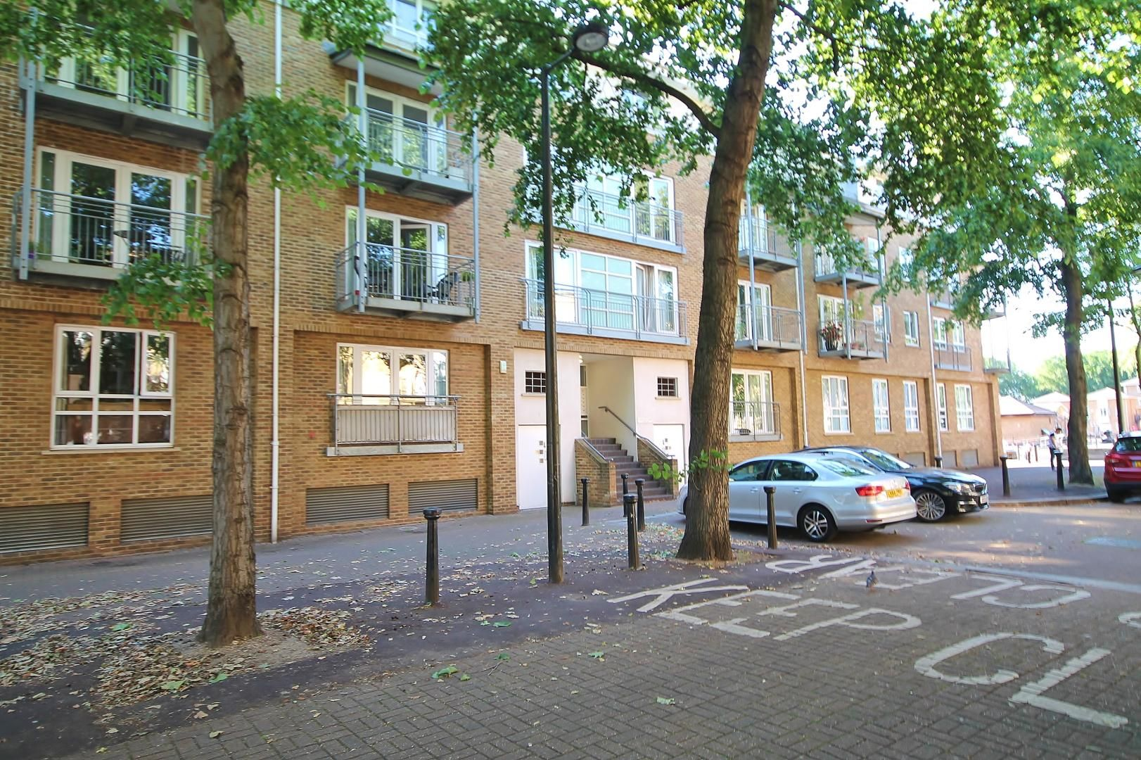 2 bed flat to rent in South Sea Street, SE16