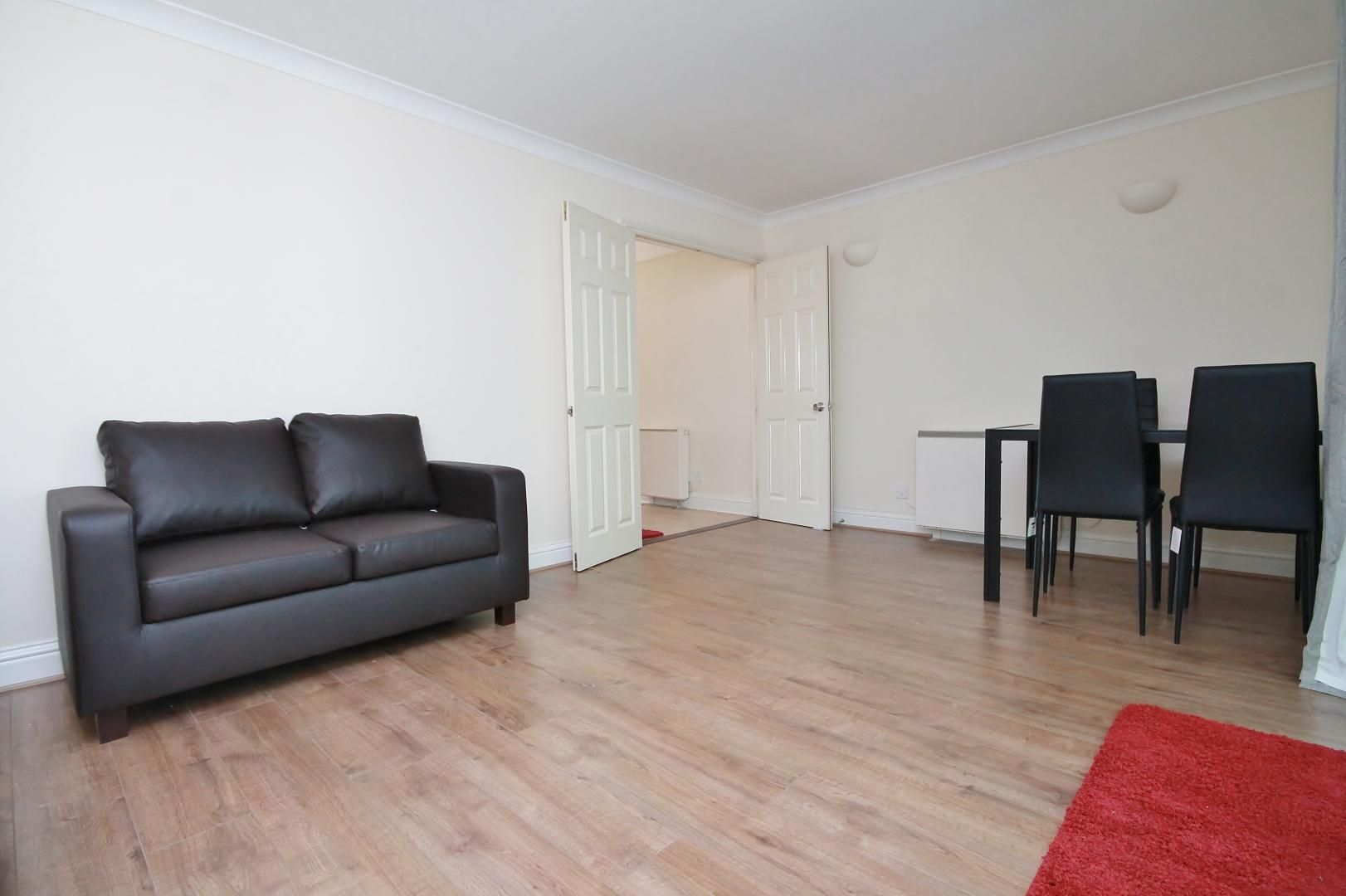 2 bed flat to rent in South Sea Street  - Property Image 2