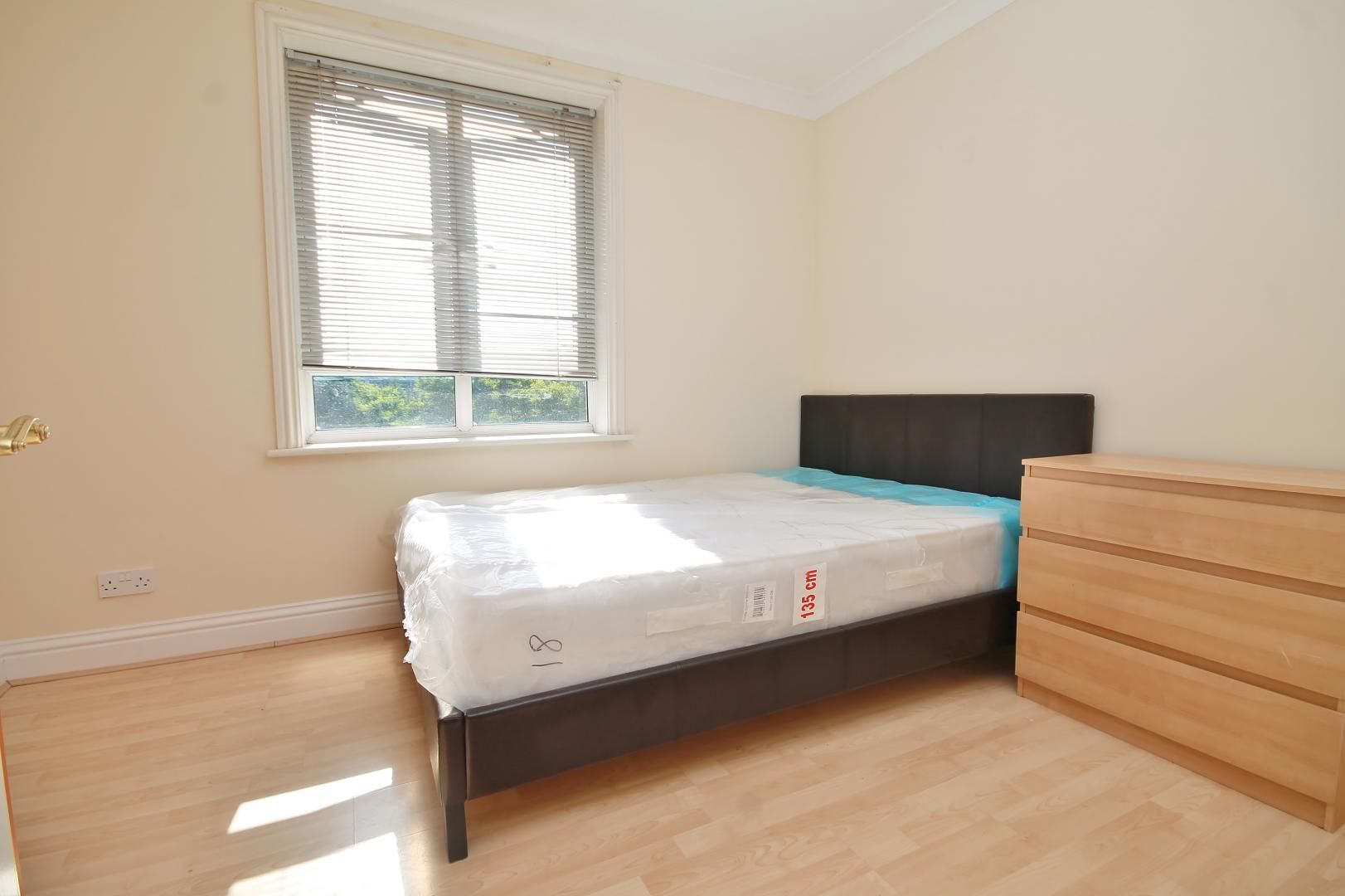 2 bed flat to rent in South Sea Street  - Property Image 4