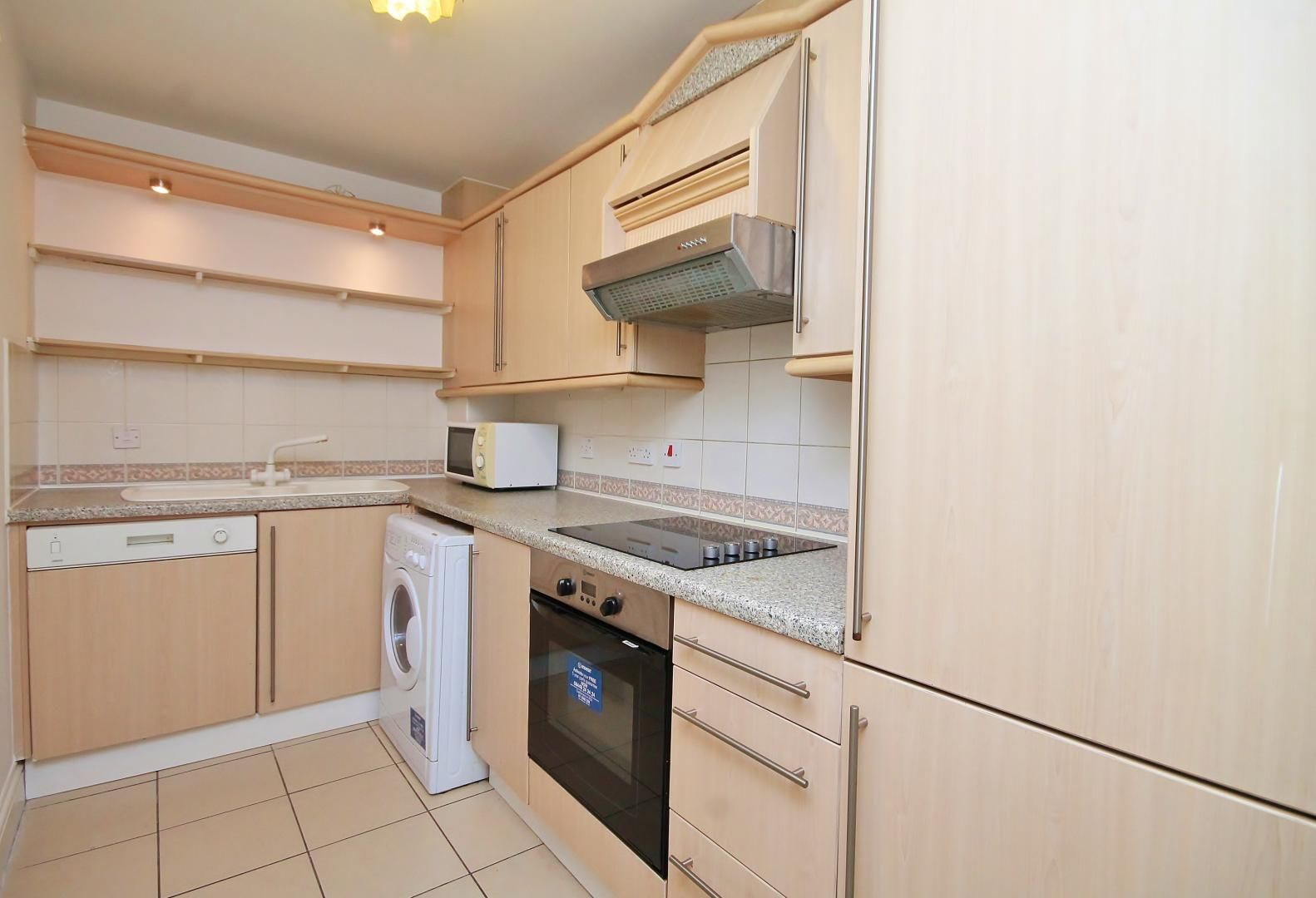 2 bed flat to rent in South Sea Street  - Property Image 5