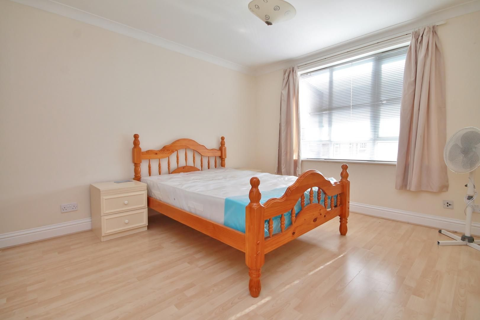 2 bed flat to rent in South Sea Street  - Property Image 6