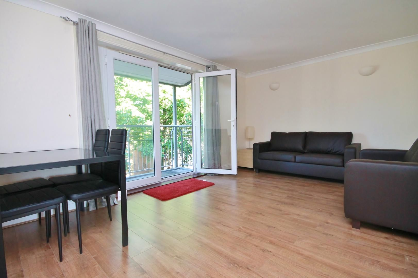 2 bed flat to rent in South Sea Street  - Property Image 9