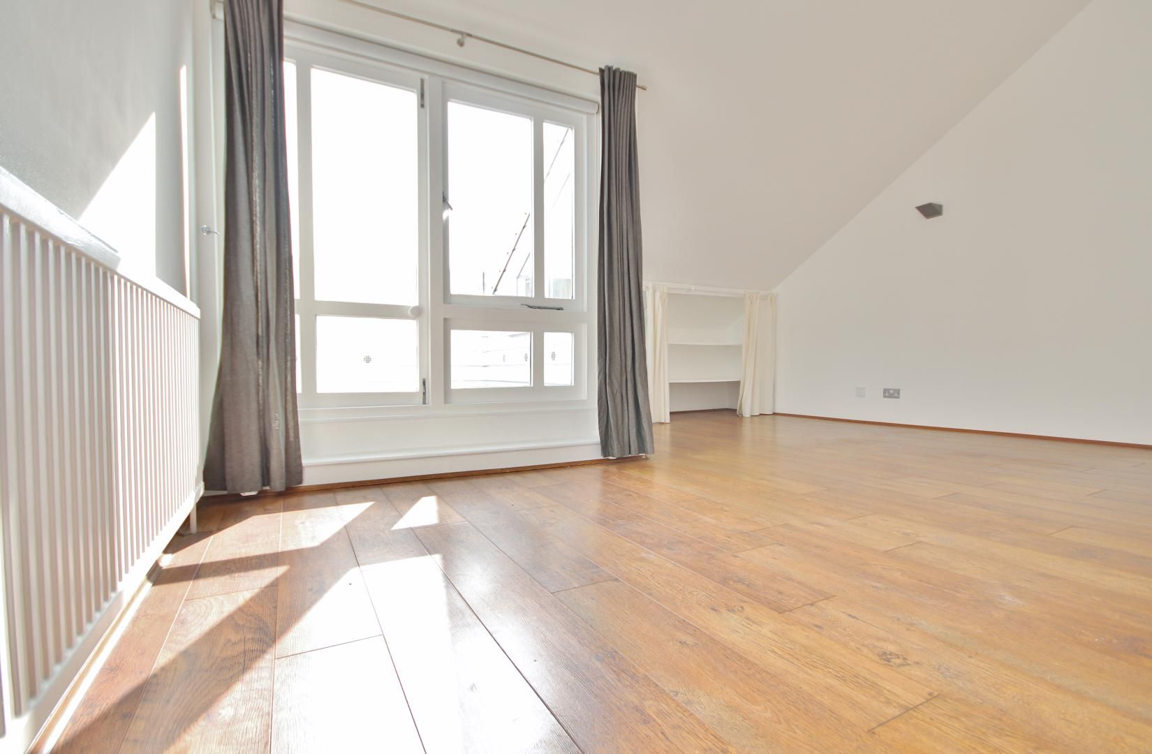 2 bed flat to rent in Burrells Wharf Square  - Property Image 6