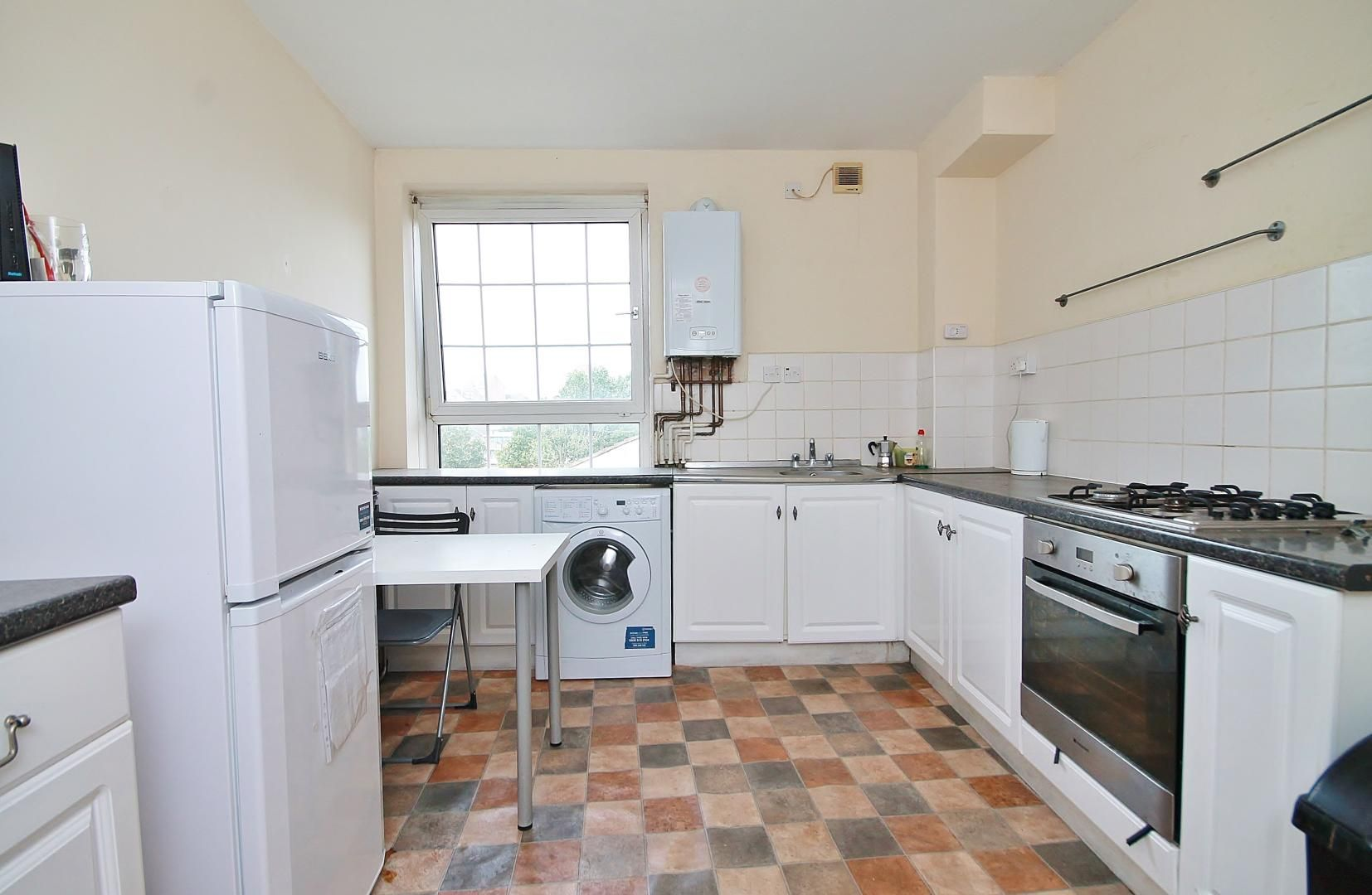 3 bed flat for sale in Arethusa House, Cahir Street  - Property Image 2