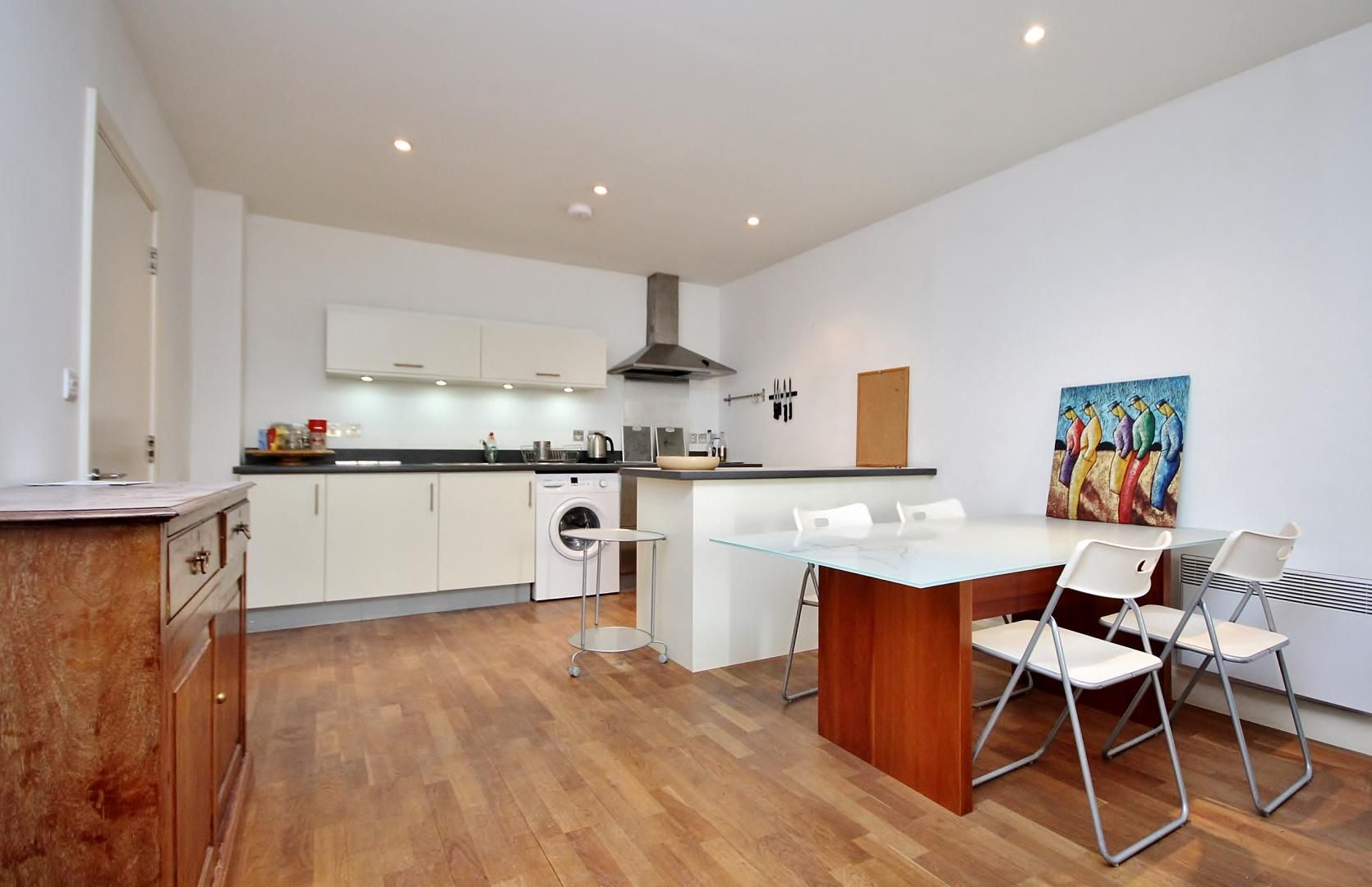 2 bed  to rent in Island House  - Property Image 2