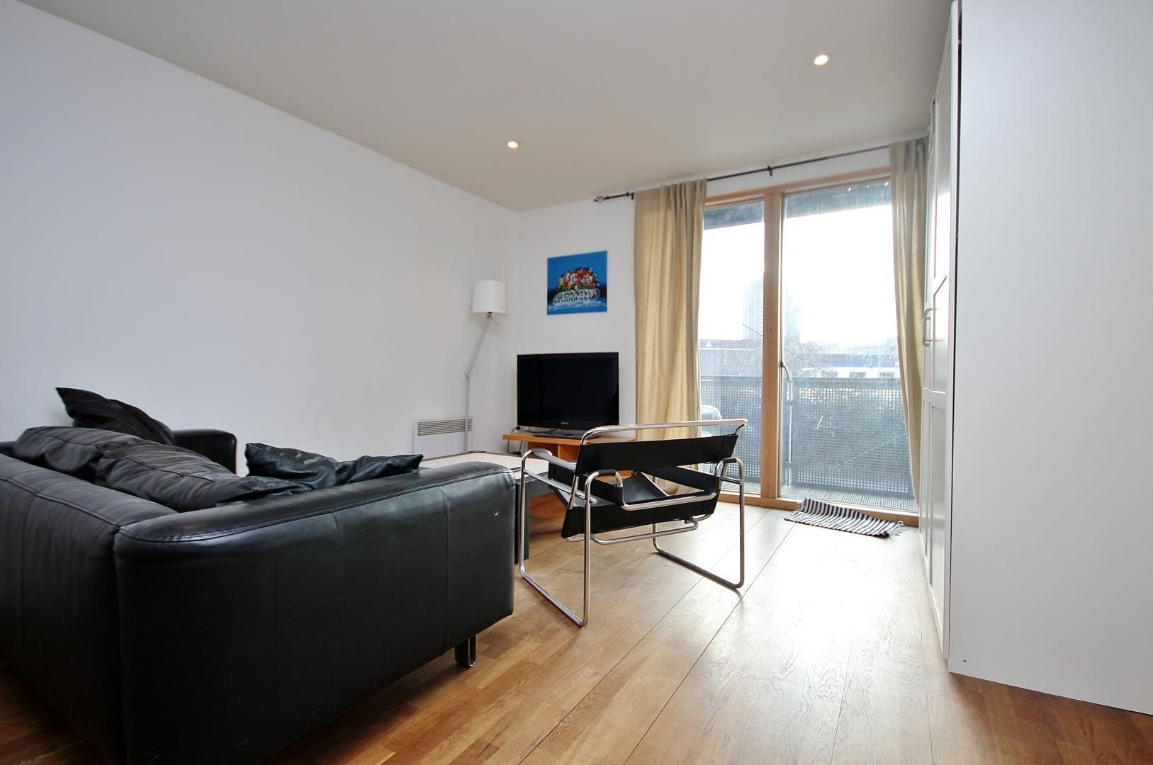2 bed  to rent in Island House  - Property Image 3