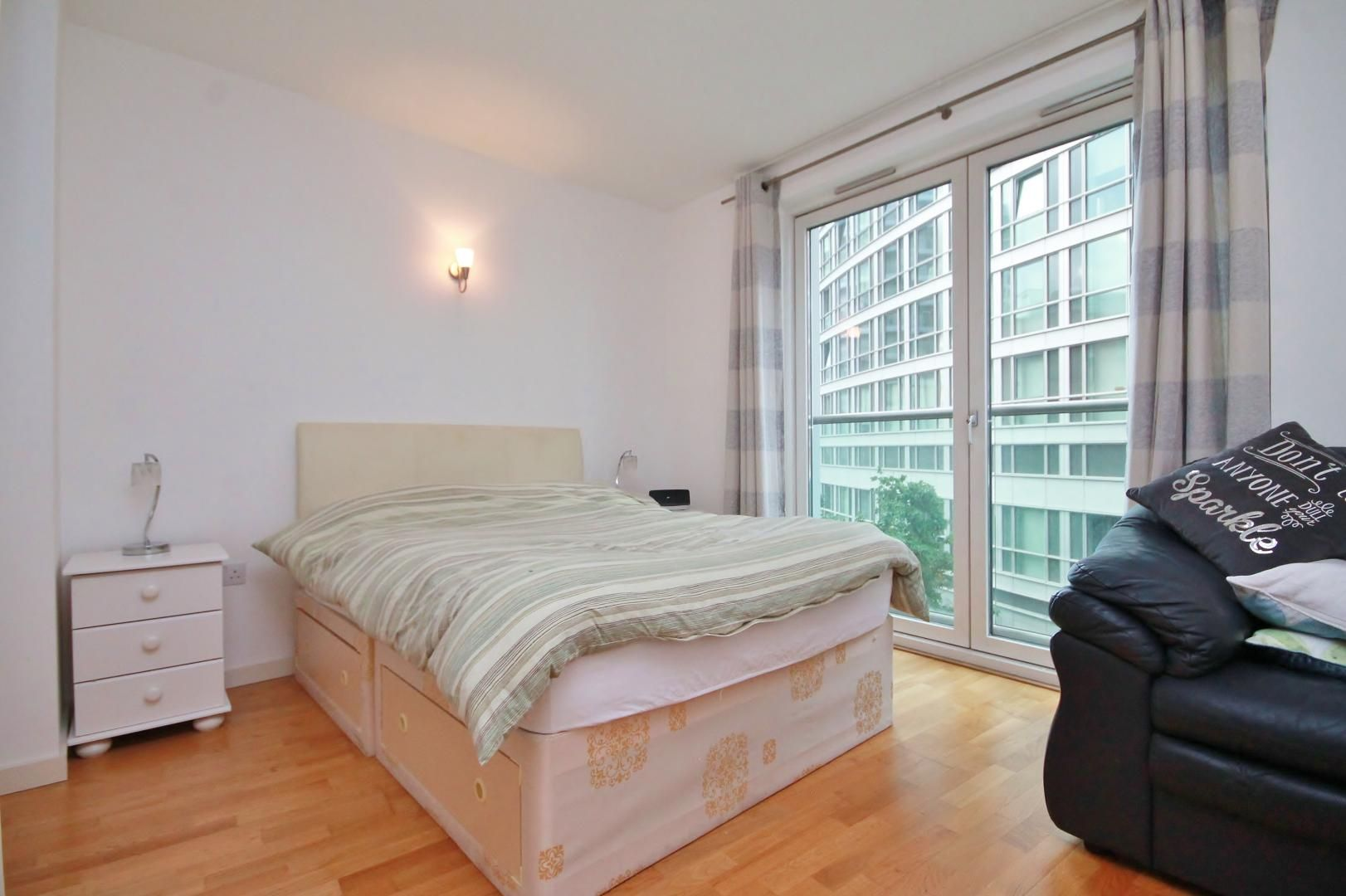 1 bed  to rent in Fairmont Avenue, E14