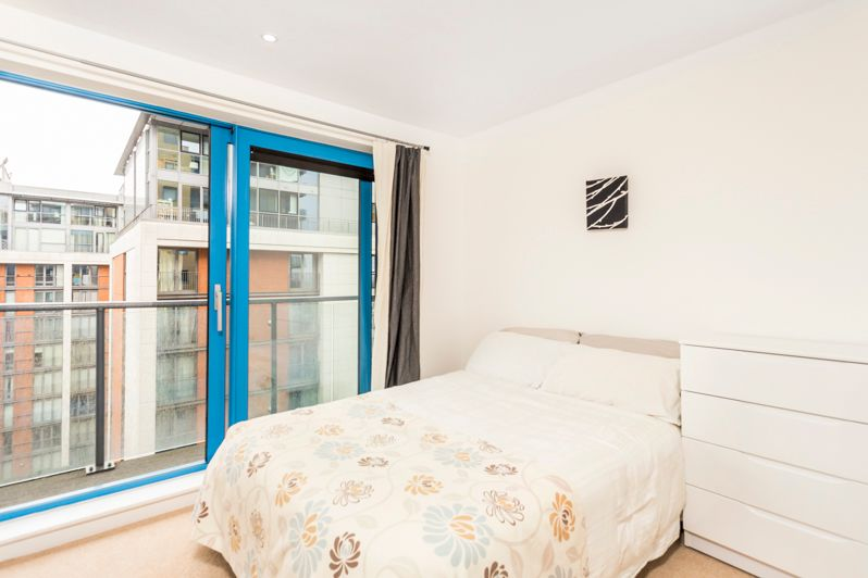 2 bed flat to rent in Western Gateway  - Property Image 6