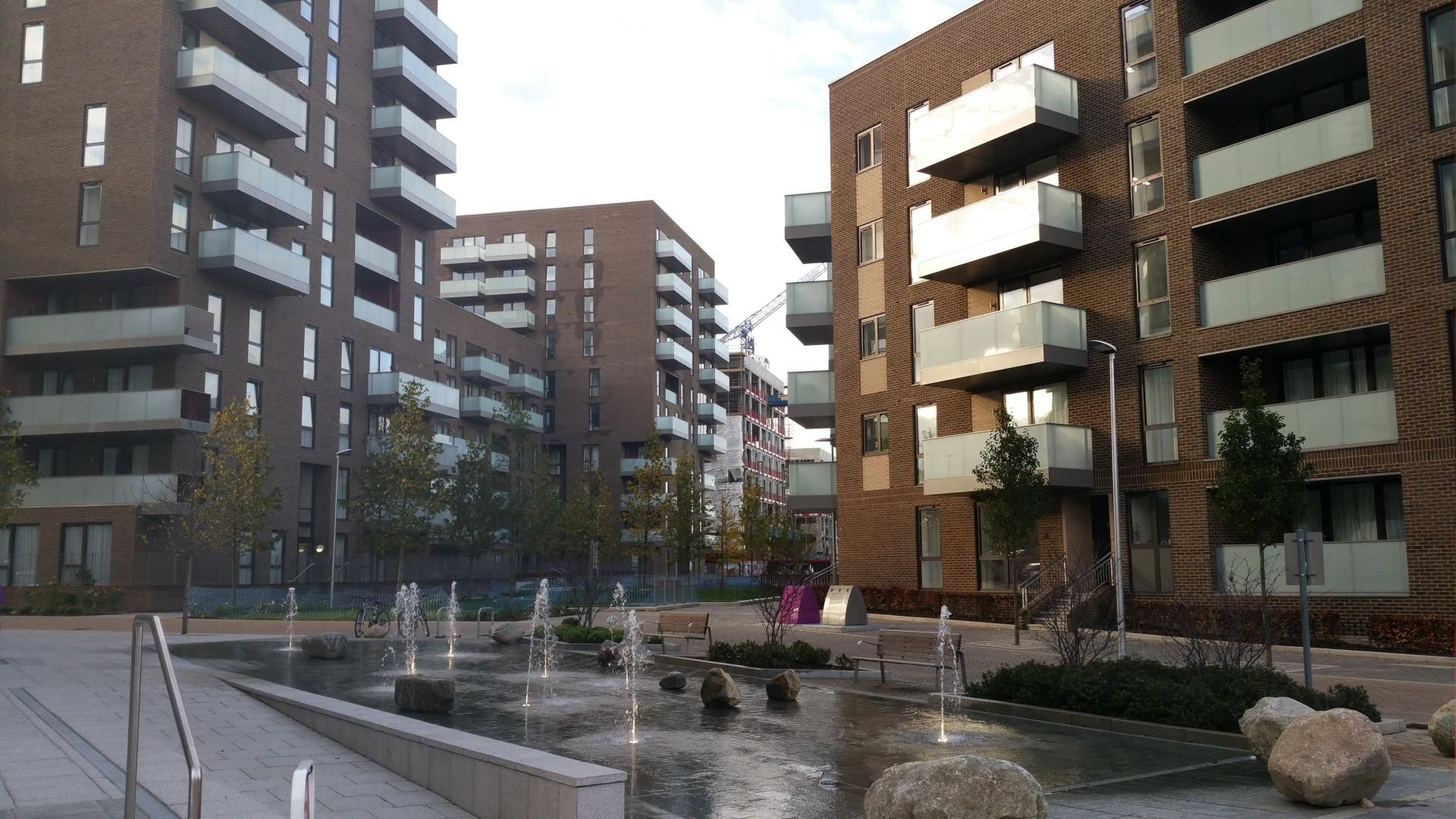 2 bed flat for sale in Aberfeldy Village, E14  - Property Image 9