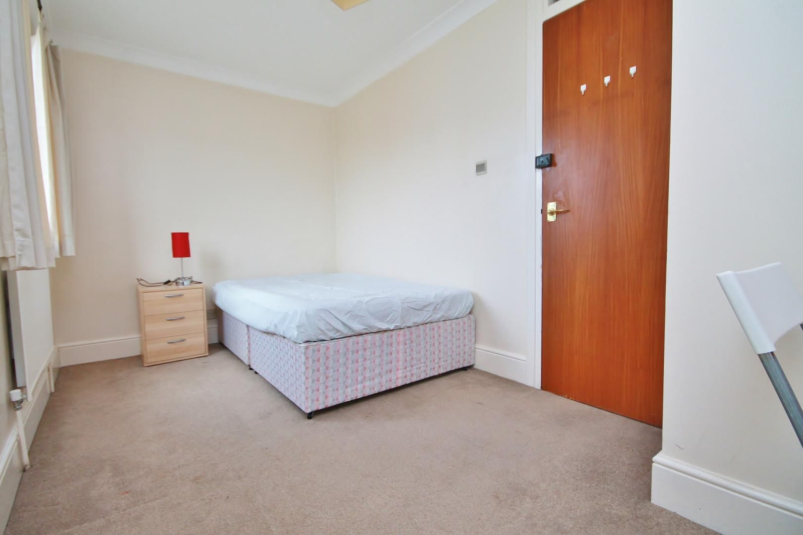 4 bed house to rent in Saunders Ness Road  - Property Image 12