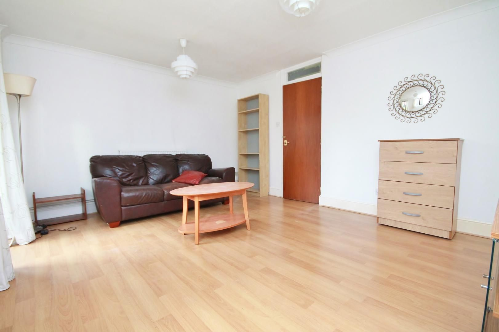 4 bed house to rent in Saunders Ness Road  - Property Image 3