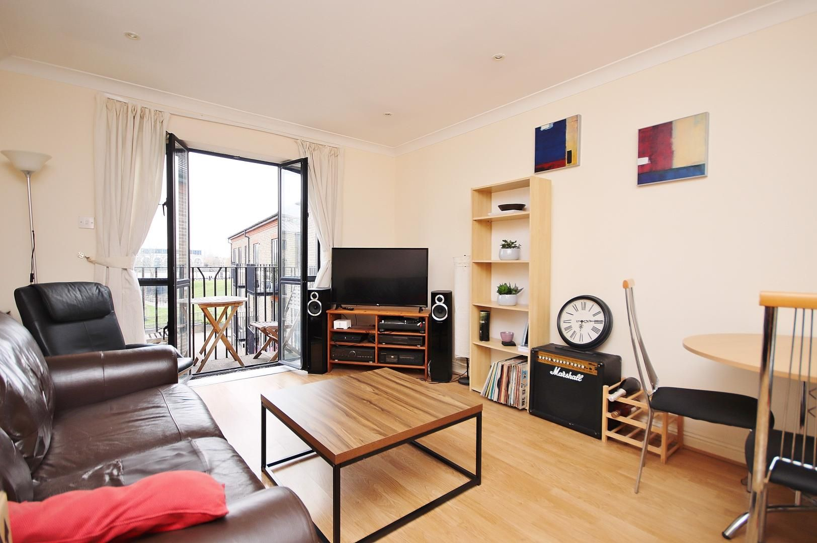 1 bed flat to rent in Brunel House  - Property Image 1