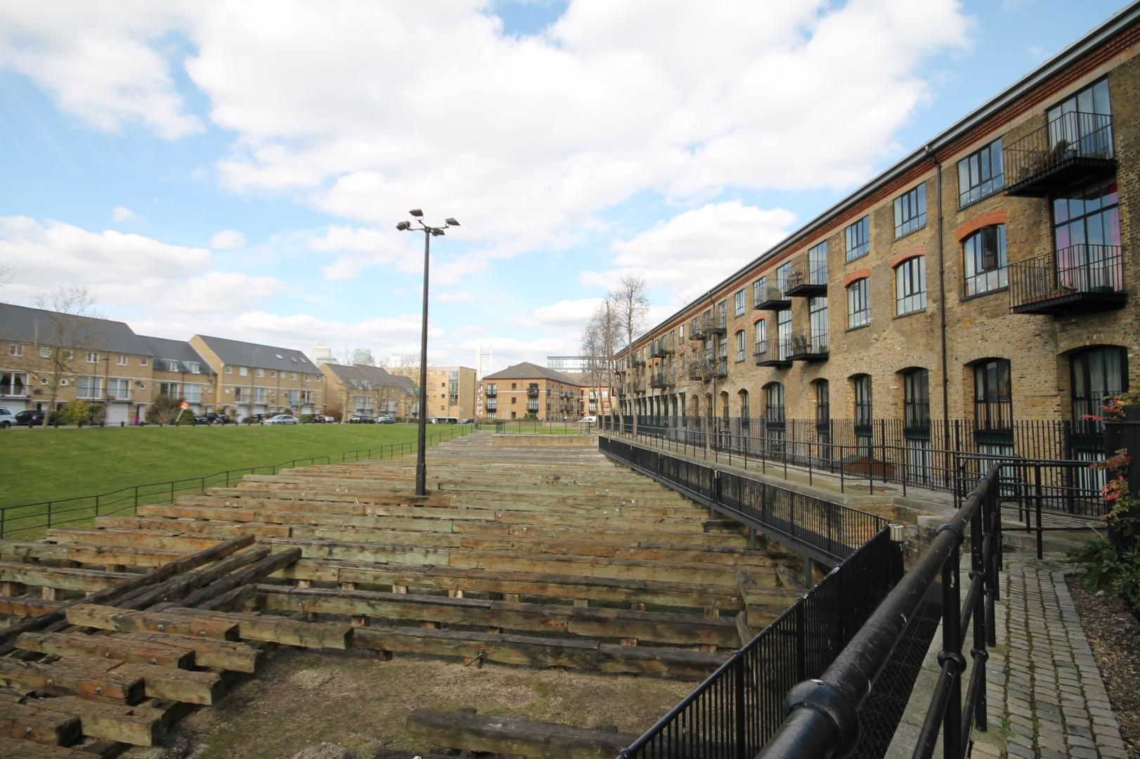 1 bed flat to rent in Slipway House  - Property Image 1