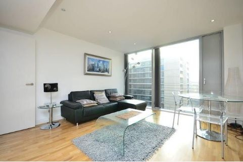 1 bed flat to rent in Marsh Wall  - Property Image 5