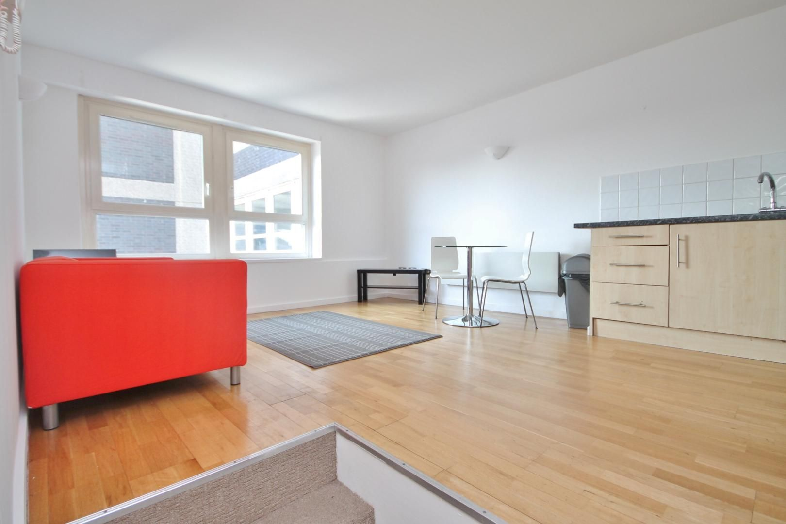 1 bed flat to rent in Vista Building  - Property Image 2