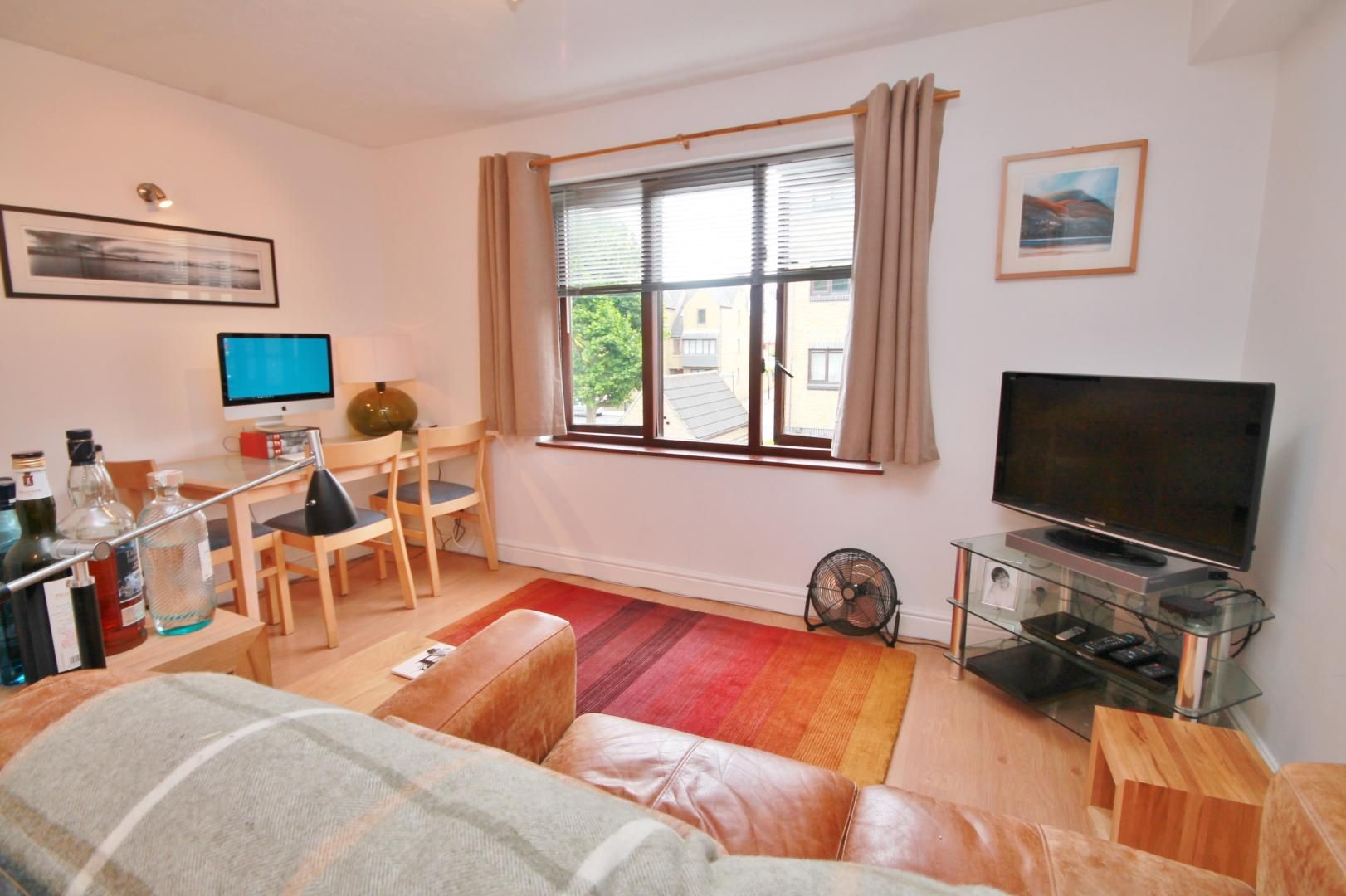 1 bed flat to rent in Transom Square - Property Image 1