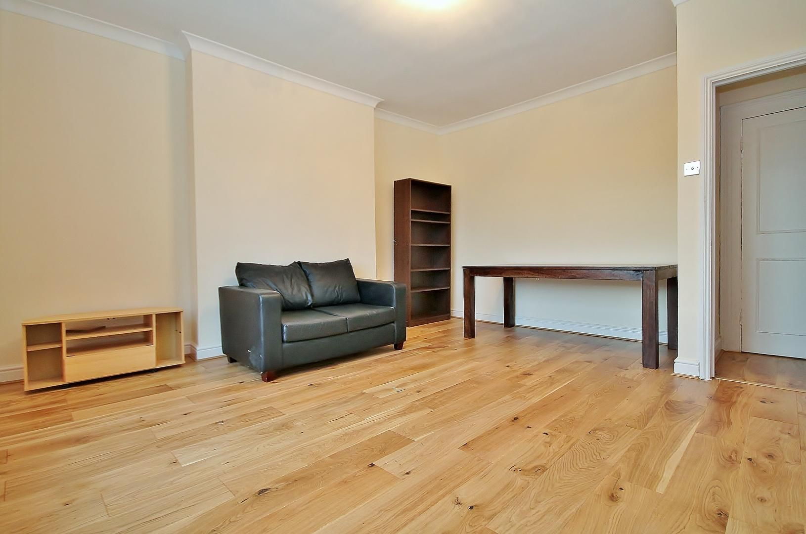 1 bed flat to rent in Wickes House  - Property Image 2