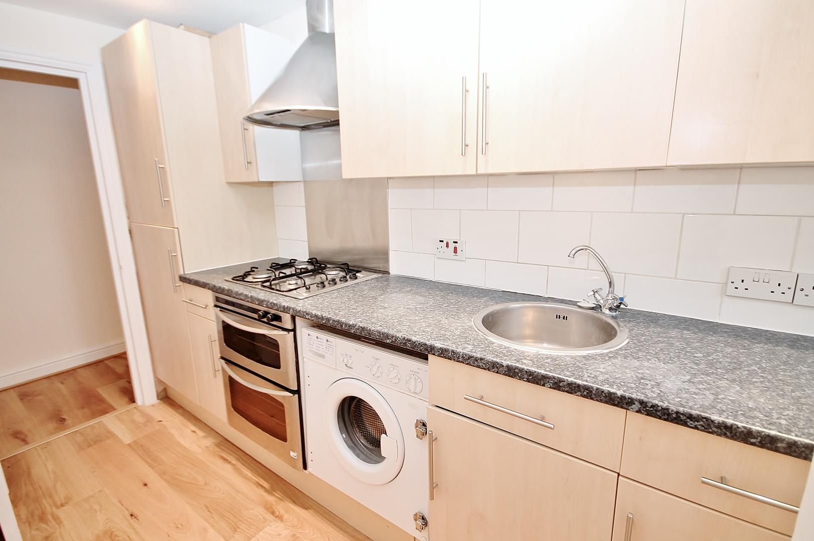 1 bed flat to rent in Wickes House  - Property Image 3