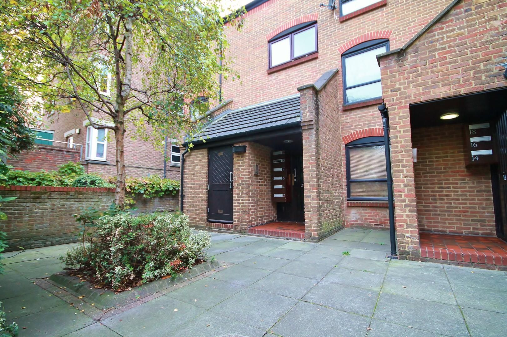 1 bed flat for sale in Manchester Road - Property Image 1