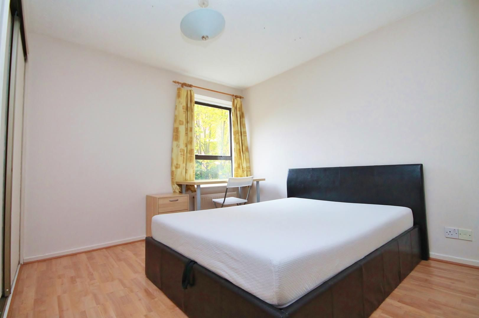 1 bed flat for sale in Manchester Road  - Property Image 5