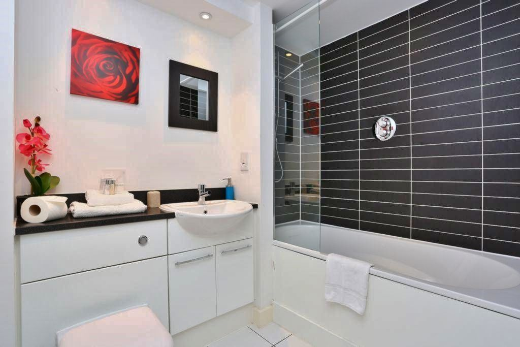 1 bed flat to rent in Blackwall Way  - Property Image 2