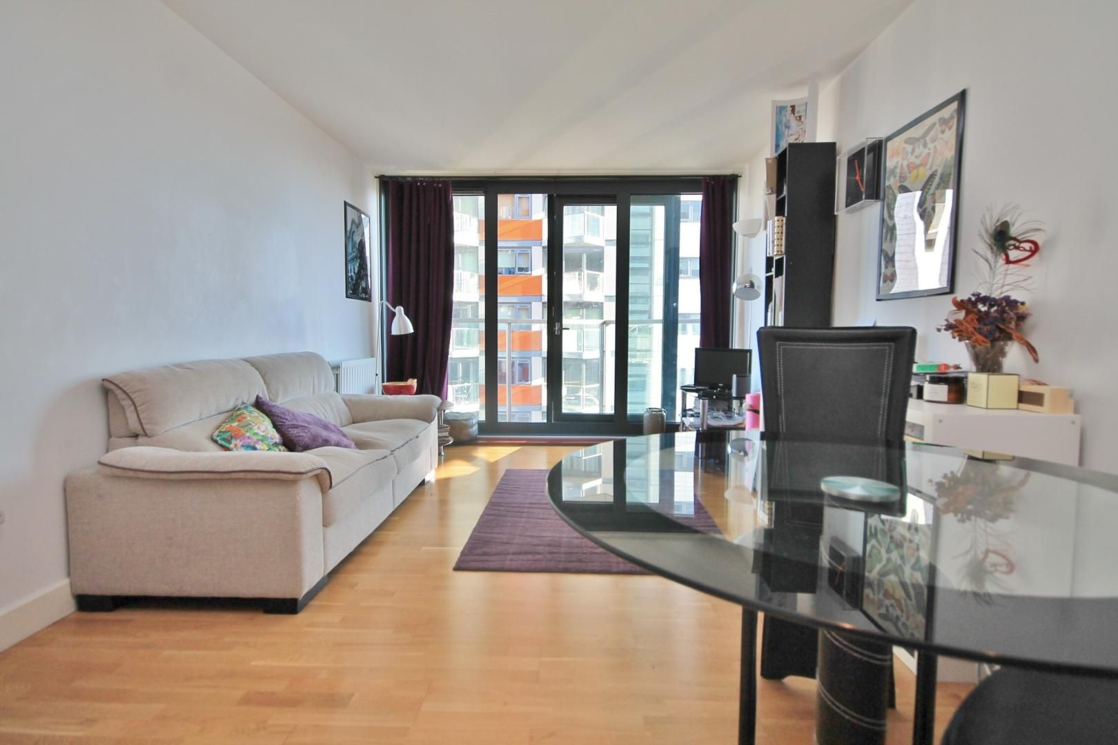 1 bed flat to rent in Blackwall Way  - Property Image 4
