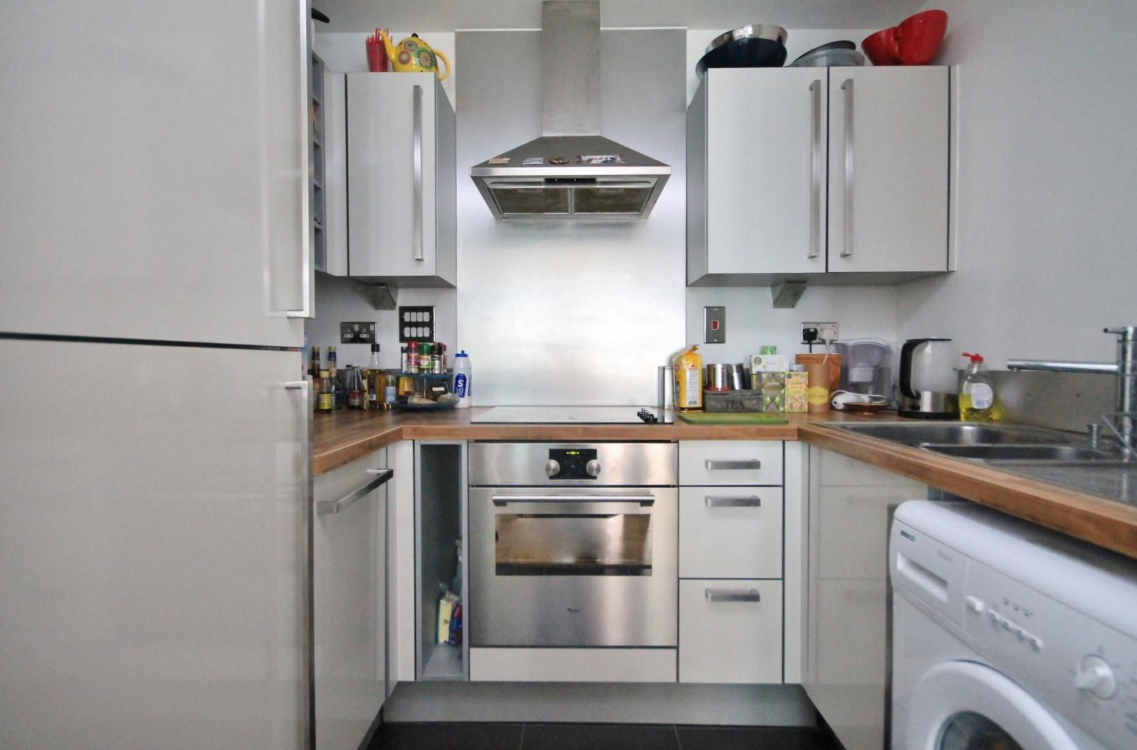 1 bed flat to rent in Blackwall Way  - Property Image 5